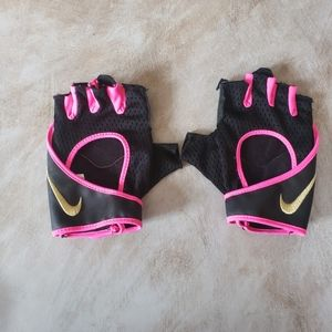 Hot pink and black NIKE fingerless lifting gloves